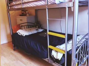 EasyRoommate UK - One bed in a room share 90 pw short term - Camden, London - £390
