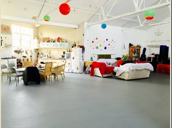 EasyRoommate UK - ROOM AVAILABLE IN AMAZING WAREHOUSE CONVERSION - London, London - £650