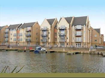 EasyRoommate UK - Luxury Waterside Apartment (Eynesbury Marina) - Eynesbury, Huntingdonshire - £450