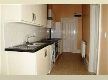 EasyRoommate UK - A spacious, modern and light first floor flat - Whitechurch, Cardiff - £450