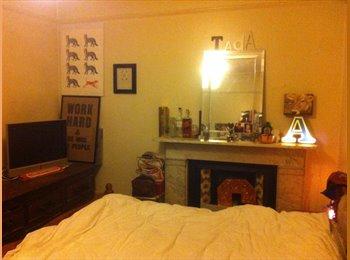 EasyRoommate UK - Large Double Room For Rent , Ealing Broadway - Ealing, London - £560