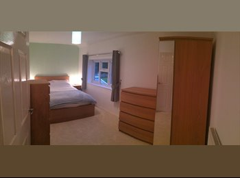 EasyRoommate UK - Double Room-3bed House-share with only 1 other - Bletchley, Milton Keynes - £450