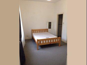 EasyRoommate UK - Double Room w/ en suite.Friendly Dalston flatshare - Dalston, London - £800
