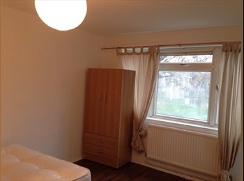 EasyRoommate UK - Double room to share or for single in whitechapel - Whitechapel, London - £931