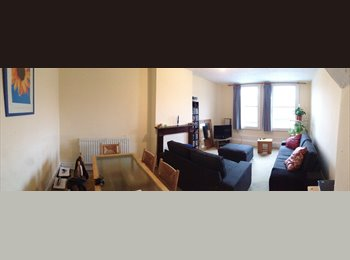 EasyRoommate UK - Large Room available in Wimbledon, Low Rent - Wimbledon, London - £450