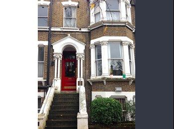 EasyRoommate UK - Double room in Beautiful Victorian Flat - Stoke Newington, London - £550