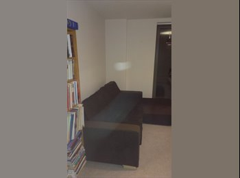 EasyRoommate UK - Large double with terrace in überhaus Canning Town - North Woolwich, London - £800