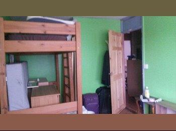 EasyRoommate UK - Student house share- low budget - Deptford, London - £300