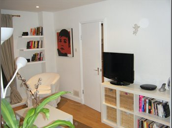 EasyRoommate UK - Master double bedroom in the heart of Notting Hill - Notting Hill, London - £905