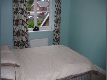 EasyRoommate UK - double room to let - Fleet, Hart and Rushmoor - £420