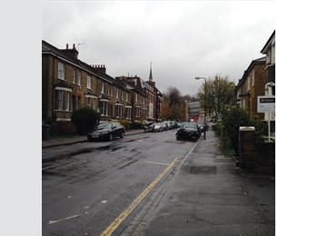 EasyRoommate UK - 1bed in 3bed Flat Share in Greenwich & Cutty Sark - Greenwich, London - £430