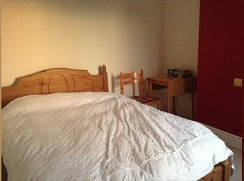 EasyRoommate UK - Double room in Old town - Swindon Town Centre, Swindon - £375
