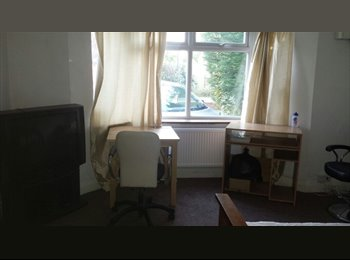 EasyRoommate UK - Mr - Isleworth, London - £500