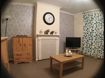 EasyRoommate UK - 3 FRESHLY DECORATED DOUBLE ROOMS - Stockwood, Bristol - £375