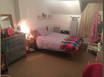 EasyRoommate UK - Spacious Room to let in Clapham North - Clapham, London - £770