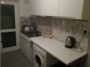 EasyRoommate UK - room to let - Feltham, London - £433