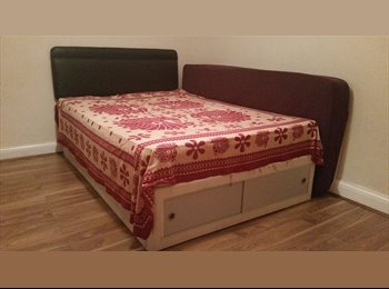 EasyRoommate UK - AVAILABLE NOW! SPACIOUS DOUBLE BEDROOM!!!! - Ruislip, London - £542