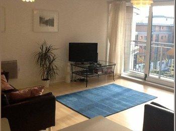 EasyRoommate UK - En-suite dbl room in riverside property, Brentford - Brentford, London - £910