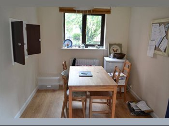 EasyRoommate UK - Double room close to Lincoln Cathedral - Burton, Lincoln - £270