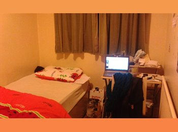 EasyRoommate UK - ***2 bedrooms in shared house*** - Ecclesall Road, Sheffield - £325