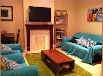 EasyRoommate UK - 3 Double Rooms near Clapham South - Tooting, London - £600