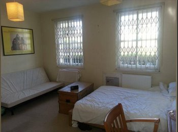 EasyRoommate UK - Huge Double Room in Dalston (De Beauvoir) - Islington, London - £840