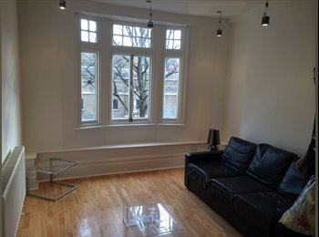 EasyRoommate UK - 2 Rooms in Beautiful Flat at the heart of Angel - Islington, London - £990
