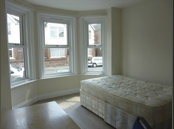EasyRoommate UK - DOUBLE ROOM AVAILABLE - Southampton, Southampton - £368
