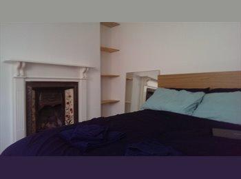 EasyRoommate UK - Camden Town Double room - Camden, London - £800