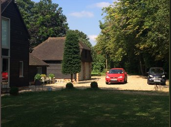EasyRoommate UK - 17thc recently converted Barn with private drive - Tadley, Basingstoke and Deane - £600