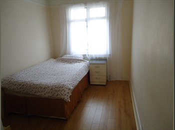 EasyRoommate UK - Roomshare suitable for single woking person - Willesden, London - £347