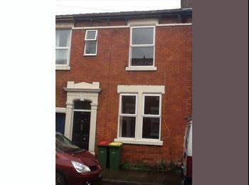 EasyRoommate UK - Fully furnished  three bedroom house - Preston, Preston - £250