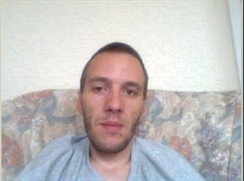 EasyRoommate UK - Aaron - 31 - Blackpool