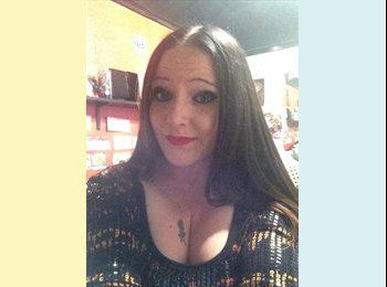 EasyRoommate UK - Amy - 24 - Leicester