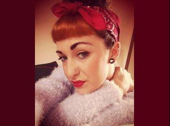 EasyRoommate UK - Chloe - 21 - Chorley