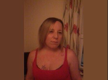 EasyRoommate UK - Jennie - 28 - Maidstone
