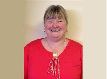 EasyRoommate UK - Lynne Packer - 25 - Swindon