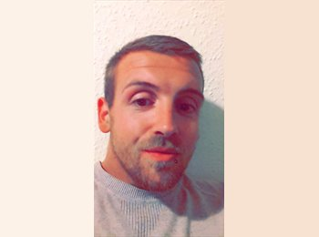 EasyRoommate UK - Aaron - 28 - Fareham and Gosport