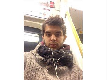 EasyRoommate UK - Francesco - 22 - London