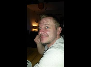 EasyRoommate UK - Richard - 43 - Nottingham