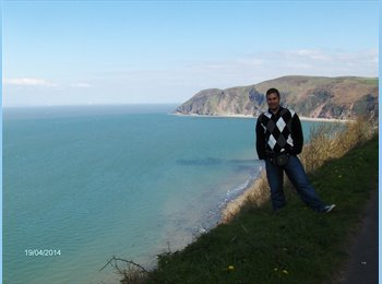 EasyRoommate UK - Hernan - 24 - Bournemouth