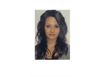 EasyRoommate UK - Raquel - 24 - York