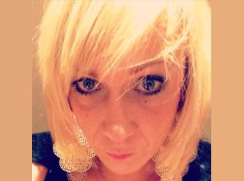 EasyRoommate UK - Rebecca - 39 - Hart and Rushmoor