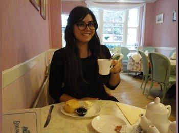 EasyRoommate UK - Yasmina - 24 - Oxford