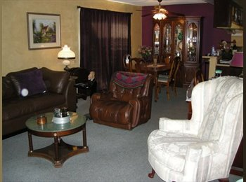 EasyRoommate US - Cozy Environment - Santa Ana, Orange County - $600