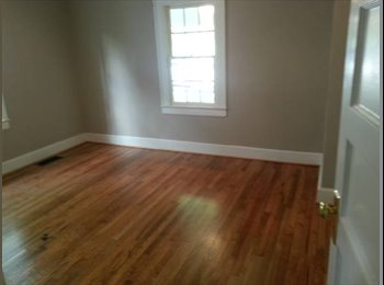 EasyRoommate US - Room4Rent $350 near Downtown - Winston Salem, Winston Salem - $350