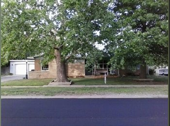 EasyRoommate US - Room for rent. - Wichita, Wichita - $400