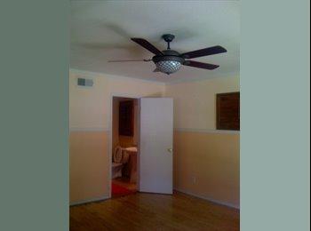 EasyRoommate US - house to share - Santa Ana, Orange County - $750