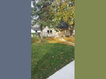 EasyRoommate US - 1 bedroom upper - Near North Side, Milwaukee Area - $595