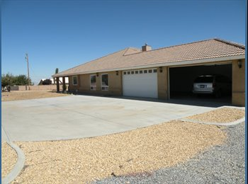 EasyRoommate US - 3116ft² -  Large Oak Hills Gated House - Victorville, Southeast California - $2200